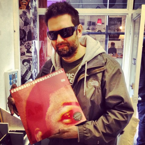 u80_Dj-Simon-S-with-new-vinyl-purchase